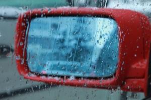 Alagamentos e enchentes: saiba o que fazer nessas situações de perigo no trânsito!