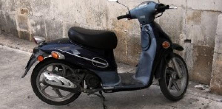 Prazo da exigência de habilitação para dirigir ciclomotores é adiado mais uma vez