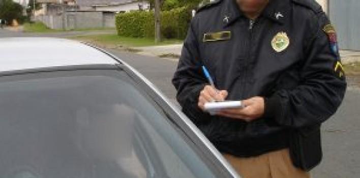 Câmara analisa projeto que aumenta valor da multa para quem dirigir sem ter habilitação