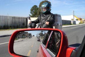 Motofretes não precisam mais de certificado para colocar baús de transporte