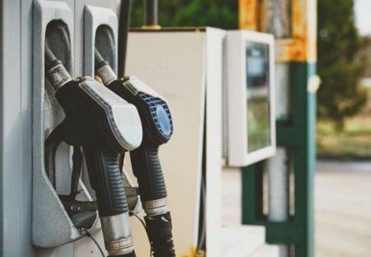 2021 começa com gasolina mais cara do que todo o ano de 2020