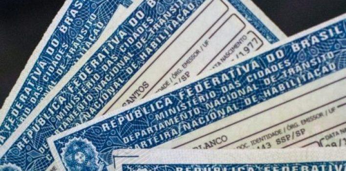Reabertura do Detran/SP deve ser divulgada na próxima semana: serviço de entrega de CNHs é retomado