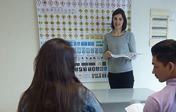 PLS pretende desobrigar a frequência em autoescolas para obtenção da CNH