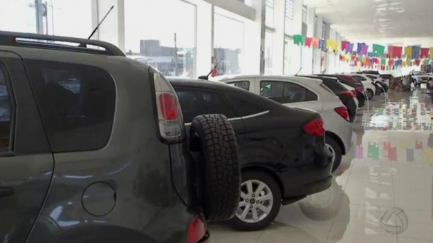 Carros usados com 4 a 8 anos puxam alta histórica de financiamentos em outubro