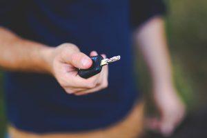 CCJ vota possibilidade de jovens anteciparem testes para obter carteira de motorista