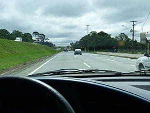 Deputado propõe PL que exige aulas em rodovias para tirar a CNH