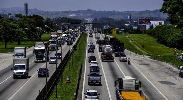 Governo de SP suspende por 90 dias pesagem nas rodovias estaduais