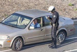 Infrações mais recorrentes no trânsito demonstram mau comportamento dos motoristas