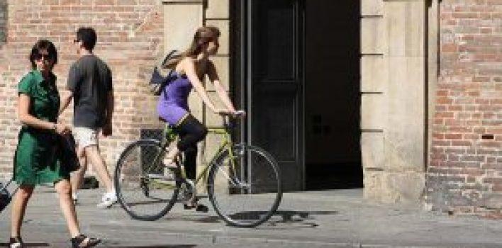 Multa para pedestres e ciclistas é adiada para 2019