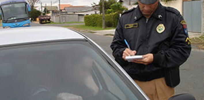No Maio Amarelo, Bolsonaro volta a falar em flexibilização de punição para condutor infrator