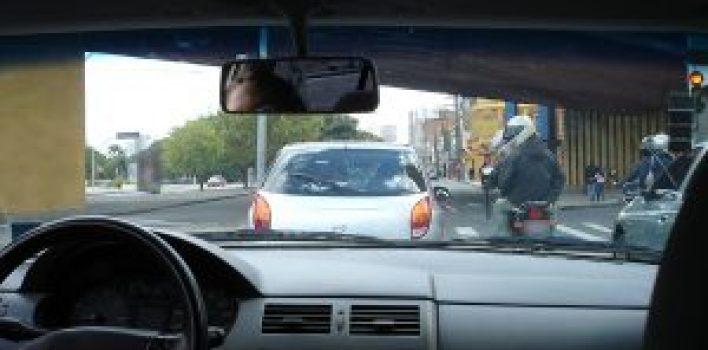 Quando buzinar se torna infração de trânsito