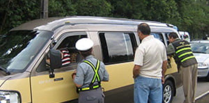 Transporte clandestino coloca em risco a vida dos estudantes