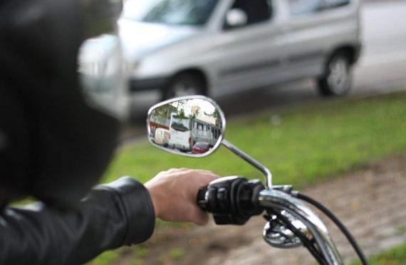 Nova lei: crianças menores de 10 anos não poderão ser transportadas em motos