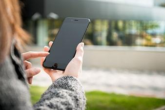 Uso do celular também pode desviar a atenção dos pedestres