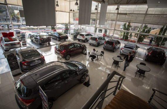 Venda de veículos cai 2,25% em agosto, informa Fenabrave