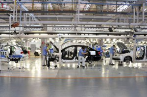 Produção de veículos no Brasil tem leve queda no 1º trimestre
