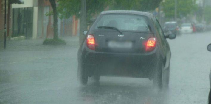 Chuva: como dirigir com cuidado