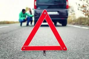 Como usar o triângulo de sinalização de forma correta